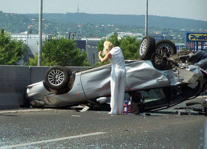 رانندگی خانوما, رانندگی خانوما جالب, رانندگی خانوما جالب, رانندگی خانوما خطری, رانندگی خانوما عکس,عکس رانندگی خانوما, رانندگی خانوما ترسناگ,
