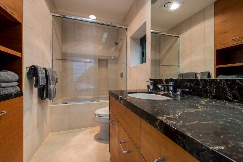حمام، طراحی حمام، طراحی حمام ایده، طراحی حمام جالب، طراحی حمام شیک، طراحی حمام لا کچری، طراحی حمام نمونه کار، طراحی حمام نومنه، طراحی حمامر زیبا
